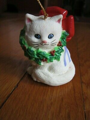 Vtg White Cat Christmas Ornament W.A. Plastic Holly Wreath Blue Eyes FREE SHIP