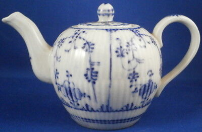 Antique 19thC Rauenstein Porcelain Miniature Doll Teapot Porzellan Kanne Tea Pot