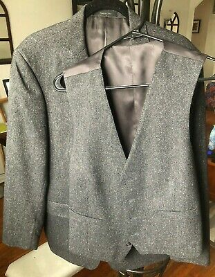Calvin Klein Grey Three Piece Suit 42R Jacket and 34x32 Pants