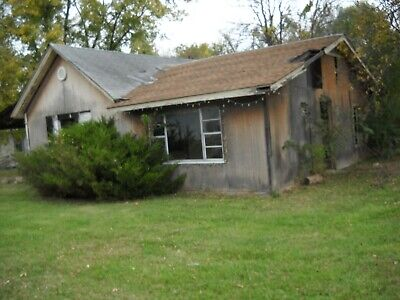 Get your Fixer Upper Today!! Starting bid $995!!!! Home for Sale Coffeyville, KS