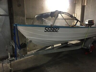 4.3 savage 1985 35hp aluminum boat. good condition  blue  white very reliable