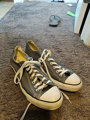 Mens Converse All Star Chuck Taylor Low Top Shoes. Size 10. Great Condition!