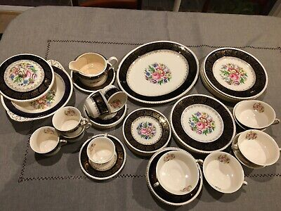 Solian Ware Dinner Service - 47 piece   Simpsons (Potters) Ltd. Cobridge.
