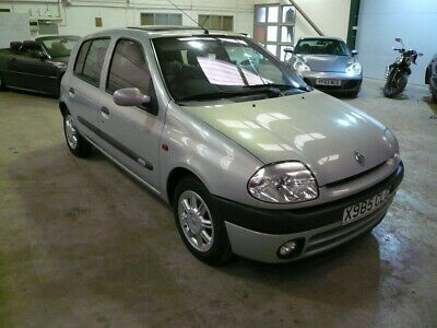 Renault Clio Initiale Paris Special Edition Only 23000 Miles Leather Air Con Fac