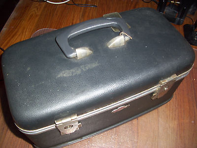 RELCO Rail-aire Small Suitcase, Make Up Case, Vintage, Travel Trunk, Very Nice