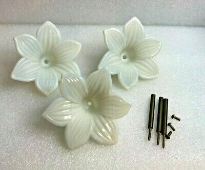 ANTIQUE FRENCH WHITE Opalescent Pressed Glass Curtain Tiebacks Flower(3)