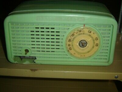 Green Astor Breadloaf Radio  Working--