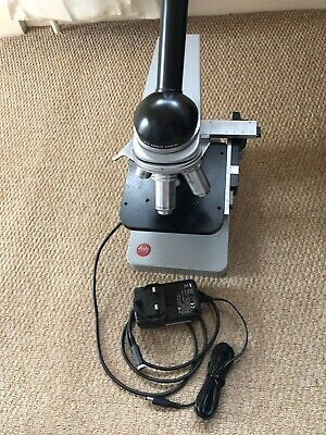 Leitz (Leica) HM-LUX Microscope with 4 objectives and LED lighting