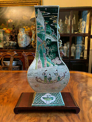 A large Chinese Qing Dynasty Famille Verte Porcelain Vase, Marked.