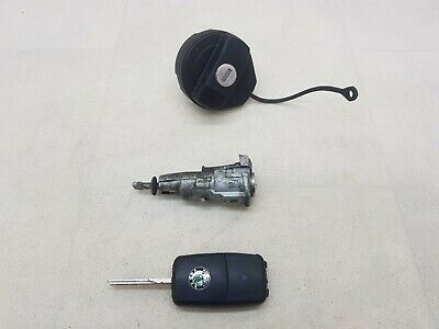 Skoda Fabia 5J Mk2 07-14 Fuel Filler Door Barrel And One Key