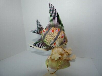 Nature Crafts Hand Carved Wood Painted Spotted Scalare Angelfish Figurine