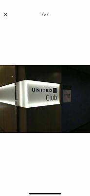 United Club One Time Pass ( Expires March 26, 2021; E-mail delivery) 2 Passes