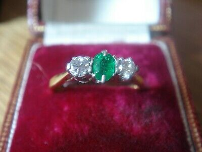 Vintage 18Ct Emerald And Diamond  Trilogy Ring