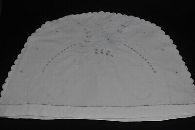 Pretty vintage white linen embroidered tea cosy with scalloped edges.