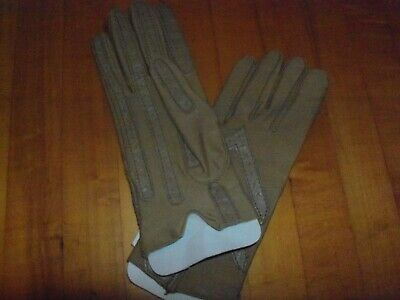 Vintage Aris Isotoner Women's Gloves Style tan  Color One Size