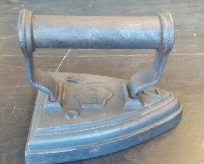 Vintage Cast Iron Lyng WC Flat Iron No:7 - Great Door Stop!