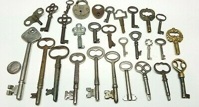 Antique Skeleton Keys & Padlock Locks Lot 29pc's Furniture Crafts