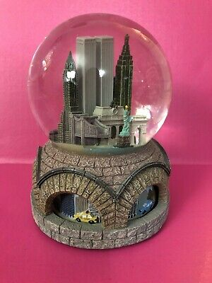 Macy's New York City Pre 9/11 Twin Towers WTC Musical Snow Globe Animated