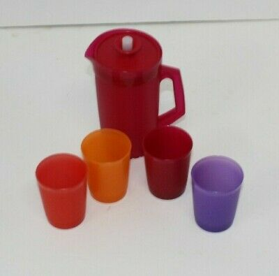Tupperware kids toy pitcher and cups