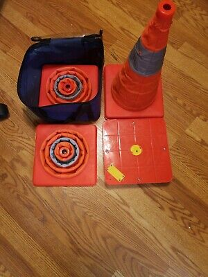 """Lighted Pop Up Safety Cones Collapsible 18"""" Set of 4 with case"""