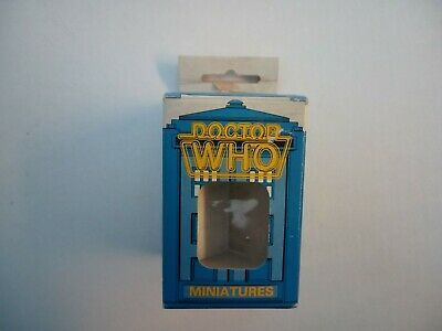 Doctor Dr Who; COLLECTORS~Fasa Miniatures~9505 Brigadier /& U.N.I.T Troopers