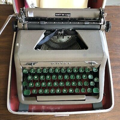 VINTAGE 1950s ROYAL QUIET DELUXE PORTABLE TYPEWRITER W/ CASE WORKS!