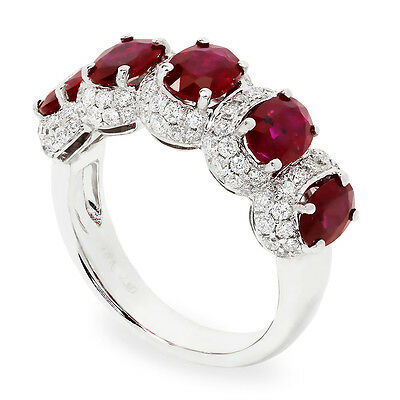 Ovale Ruby Naturel Bracelet avec Diamants en 18 Carats or Blanc 3.16ctw