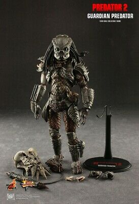 Hot Toys Guardian Predator 1/6 Scale Collectible Figure