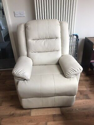 WILLIS & GAMBIER Full Flat Rise & Recline Electric Chair 804