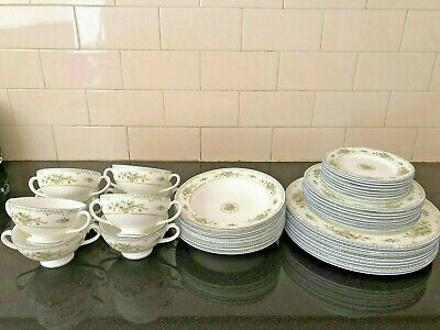 *MINT CONDITION FULL SET* CLASSIC Wedgwood 8 Person Dinner Set Petersham R4536
