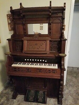 Antique 1879 Victorian Chicago Cottage Company pump organ intricate, ornate