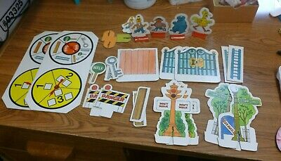 Parts /& Pieces Only You Choose 1975 Vintage Walk Along Sesame Street Game