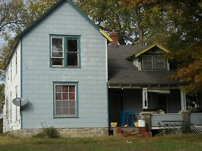 Fixer Upper In Independence Ks! Price Slashed !!! Owner Financing Available