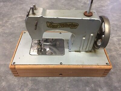 Vintage KAYanEE Sew Master Miniature Sewing Machine- Ask Questions