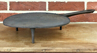 Rare ANTIQUE 18th C Cast Iron Handled HEARTH COOKING Footed STANDING Griddle