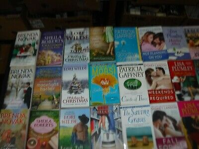 Huge Lot Of 30 Romance Novels By Assorted Women Authors (Paperbacks ,English)
