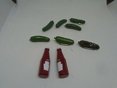 Vintage Heinz Pickle and Kechup Pins (9)