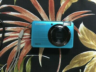 Samsung SL202 10MP Digital Camera with 3X Optical Zoom and 2.7 inch LCD with box