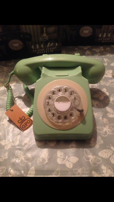 Retro style rotary phones fits standard sockets, adapter included.