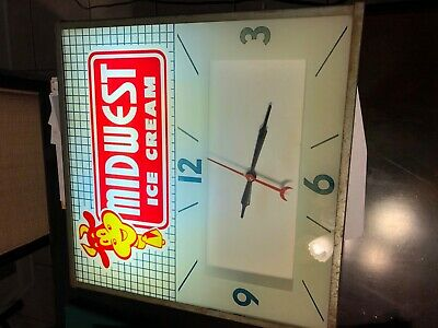 Vintage original 1958 midwest dairy products lighted clock runs great with Cow