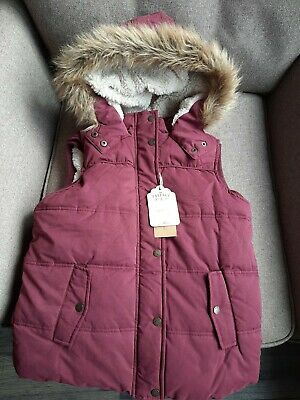 FAT FACE Red Berry Padded & Hooded Gilet ~ Fleece & Fur Trim *Age 12-13 BNWT