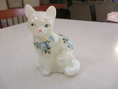 Fenton Hand Painted Cat , Artist Signed , White with Blue Flowers  , VERY NICE !