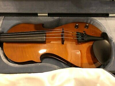 ALTA Electric Violin including carrying case, Great condition
