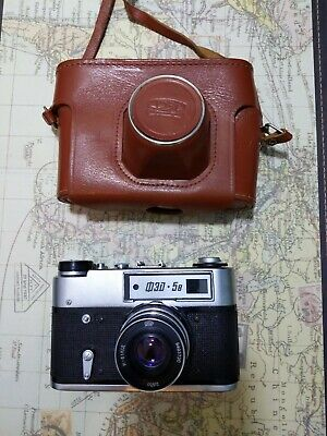 FED-5B 5 USSR Rangefinder 35mm Camera with 53mm lense and case