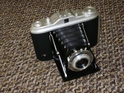 Agfa Isolette 1 6x6 Folding Camera with 85mm. F4.5 Agnar Lens Opticss Need Clean