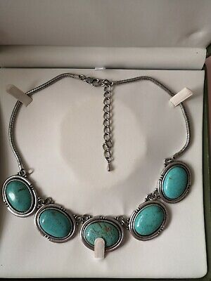 Beautiful vintage Large Necklace Blue/Green Colour Comes With Presentation case
