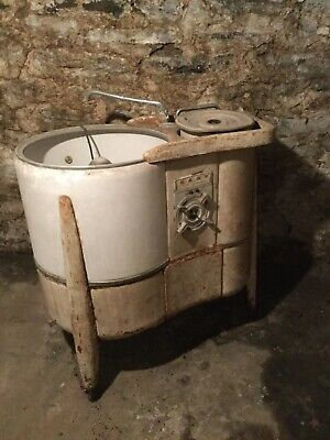 Vintage Washing machine......Cincinnati Pick Up.