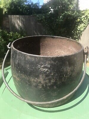 Clark & Co Cast Iron Pot Gypsy Pot Couldron Antique