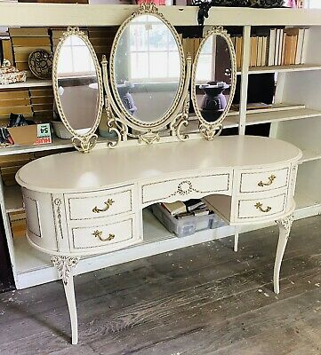 Beautiful Antique French Louis XV Vanity/Dressing Table