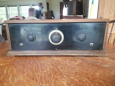 Early 5 Tube Battery Operated Kit Radio - Looks Great!
